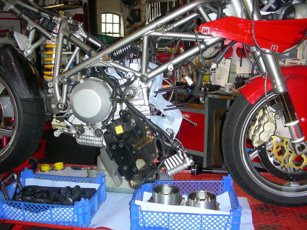 Werkstattbericht: Headporting 996S 37/31 | Ducati & Aprilia-Tuning Kämna